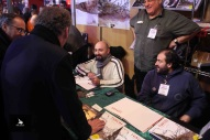 François Bayrou discute avec Vincent