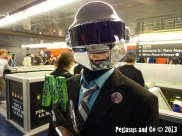 Cosplayers à Montréal aiment Men at Work