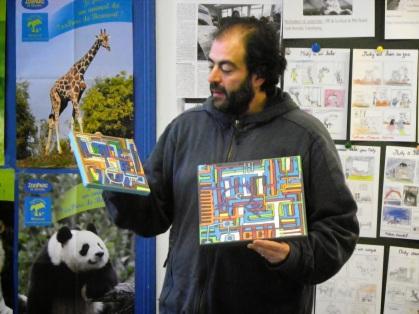 TAREK nous montre ses tableaux